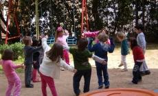 I bambini giocano